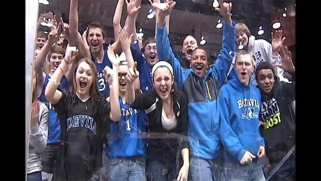 Batavia Rolls To Sectional Crown