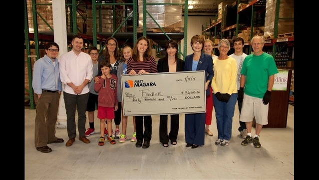 First Niagara Provides $30,000 Grant to Foodlink