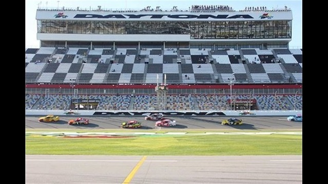 The first Sprint Cup Series practice is underway_2040008373899774477
