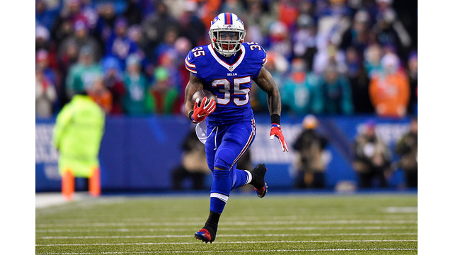 Patriots sign Bills RB Gillislee to offer sheet