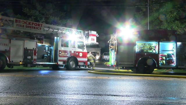 2 adults, 4 children escape overnight house fire in Brockport