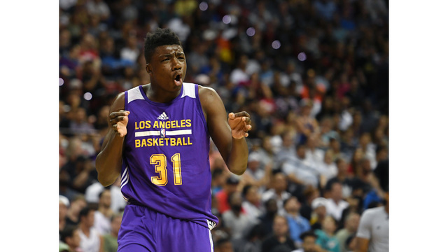 Thomas Bryant signs 1st NBA contract