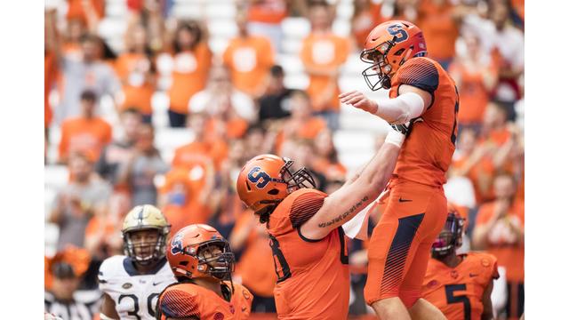 Syracuse holds off Pittsburgh for first ACC win