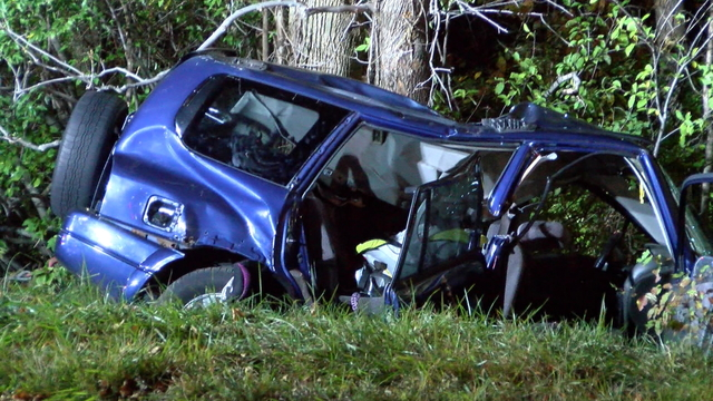 Father charged with DWI after SUV hits trees, killing infant