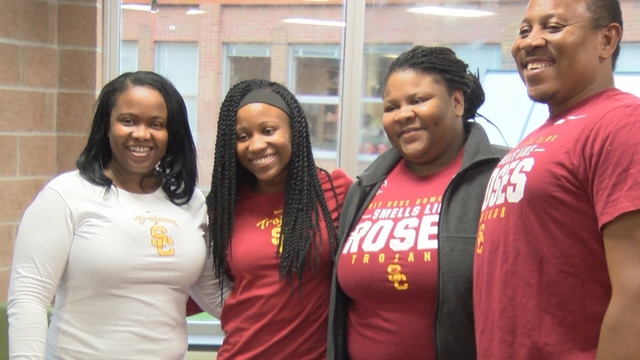 Lanae-Tava Thomas signs NLI with USC
