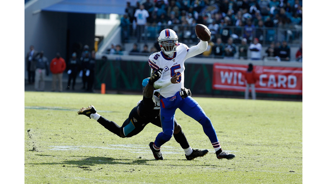 Tyrod Taylor in concussion protocol after potential finale with Bills