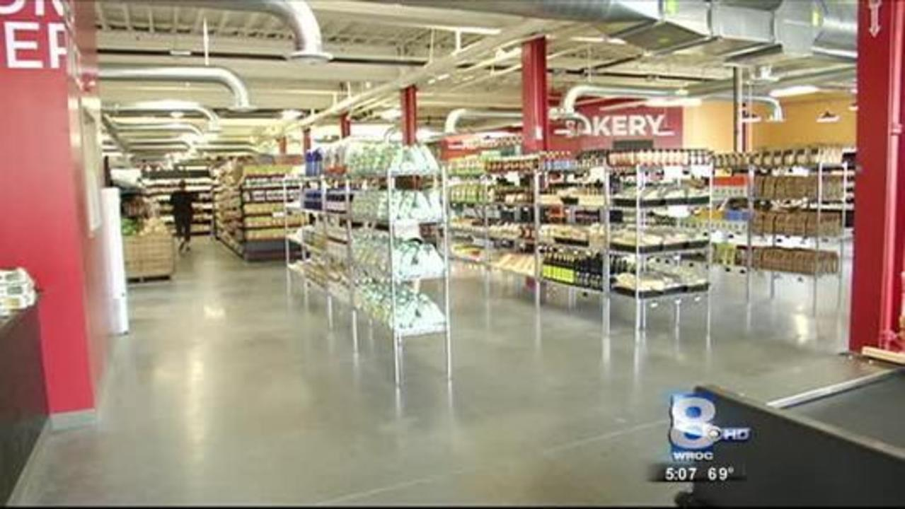 Hart\'s Local Grocers opens, bringing first grocery store in decades ...