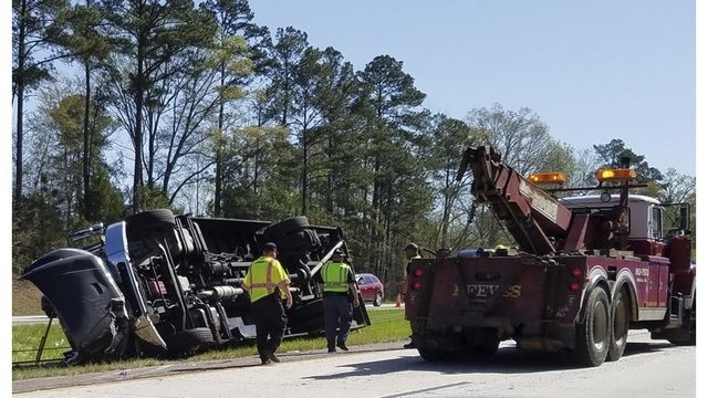 'Several injured' as tour bus carrying fans to Masters overturns