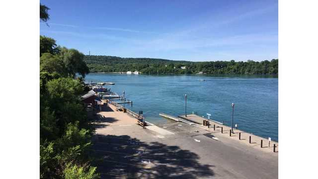 Off-duty Rochester firefighters rescue 76-year-old man from Niagara River